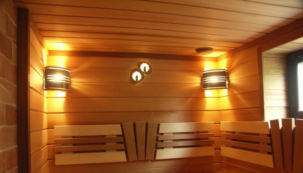 Классический стиль светильников для бани